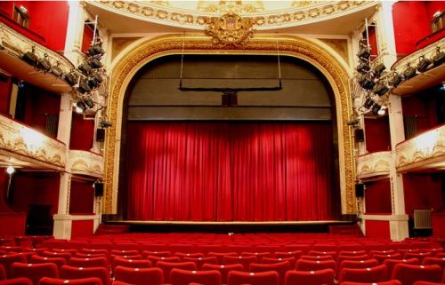 Matinée Théâtre sur Variance Fm